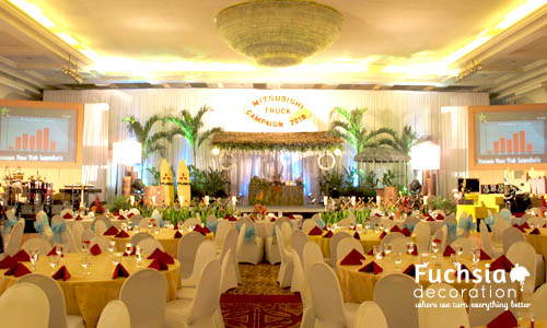Beach corporate event fuchsia decoration wedding decoration eventdecoration4 junglespirit Choice Image